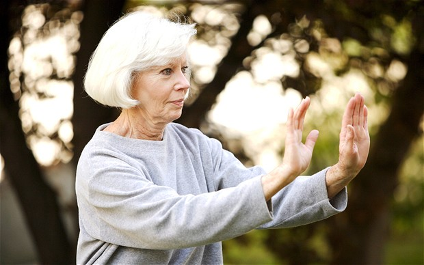 Tai chi can prevent falls in the elderly : Osteoporosis Dorset